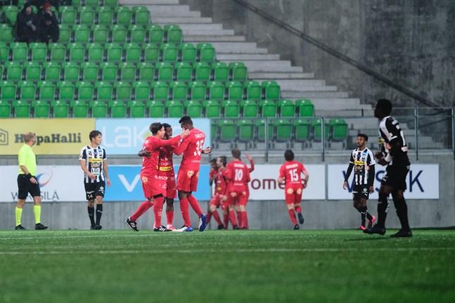 Reaktioner efter Jaros 0–1-mål.