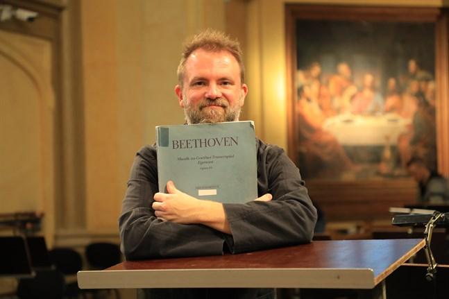 Tomas Djupsjöbacka leder Vasa stadsorkester på två konserter,