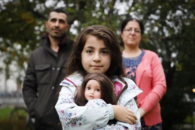 Saara Abdu och hennes föräldrar Ismail och Zayinab kom till Finland 2015.