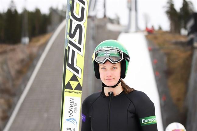 Alva Thors kan titulera sig sommarmästare i nordisk kombination.