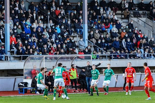 Jaro och VPS tvingas spela sina två återstående hemmamatcher utan publik. Bilden är från derbyt mellan Jaro och KPV den 4 oktober.