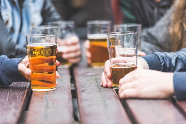 Österbottningarna gillar öl mer än andra alkoholdrycker och köpte 9,5 miljoner liter i fjol. Jämfört med hela landet dracks det ändå minst i Österbotten i fjol.