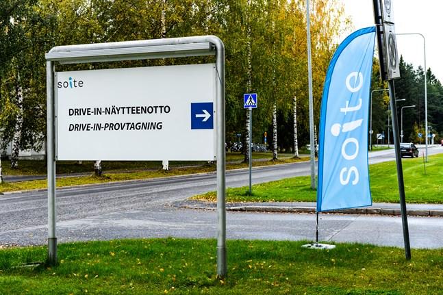 Arkivbild: Drive-in-provtagning för coronatest i Soite i Karleby.