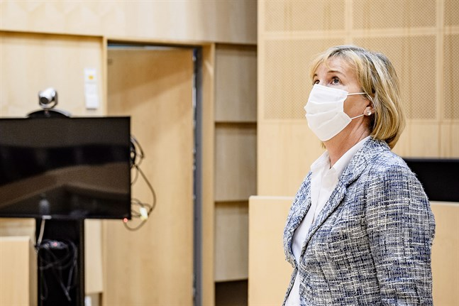 Justitieminister Anna-Maja Henriksson (SFP) säger att det är nödvändigt att begränsa gränstrafiken nu för att coronaläget i Finland inte ska försämras.