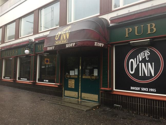 Oliver's Inn håller stängt åtminstone den här veckan med anledning av den ökande coronasmittan i Vasa.