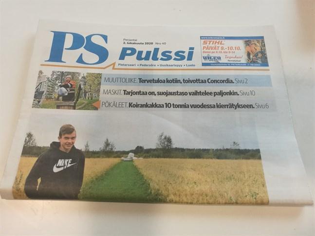 Pietarsaaren Sanomat kommer ut två gånger i veckan, en gång för prenumeranter och en gång som gratistidningen PS Pulssi.