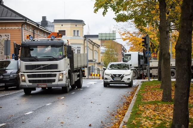 Trafikljusen i korsningen Vasaesplanaden-Rådhusgatan kommer att vara ur bruk på torsdag.