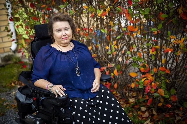 Carola Lithén hoppas att hennes anmärkning till Vasa sjukvårdsdistrikt leder till bättre vård. Hon önskar att ingen annan ska behöva uppleva detsamma som hon.