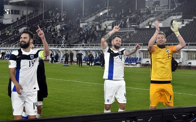 Tim Sparv, Joona Toivio och Lukas Hradecky fick fira seger efter herrlandslagets första match på nyrenoverade Olympiastadion.