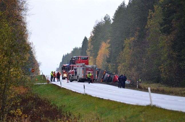 Olyckan inträffade på riksåttan i Yttermark på söndagsmorgonen.