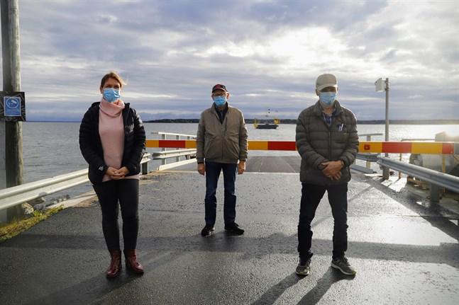 Nina Westman-Enroth, Per-Erik Berglund och Erik V Söderholm skulle hellre se en bro än en färja mellan Bergö och Bredskär.