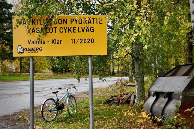 Cykelvägen på Vasklot som blir färdig i november är främst planerad med tanke på Vasklotborna och Wärtsiläs anställda.