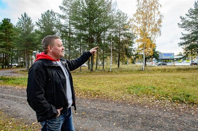"""Tom Lindqvist planerar att bygga en ny grill på ungefär som ställe som baren """"Mutteri"""" fanns i tiderna.l"""