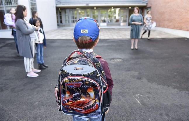 En stor del av föräldrarna säger att deras barn trivs i skolan.