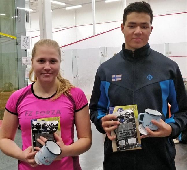 Frida Sundell och Safin Emran spelade för första gången mixed dubbel tillsammans i Helsingfors.