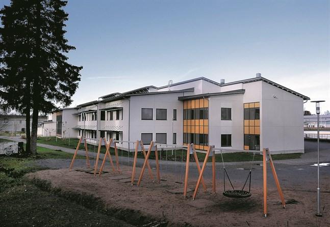 En klass är satt i karantän efter ett fall av coronasmitta i Solf skola.