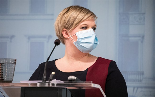 Forsknings- och kulturminister Annika Saarikko (C) säger att åtgärderna riktar sig till de regioner som är i fas två och tre.