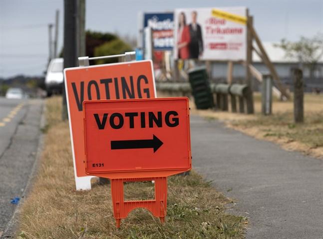 Skyltar till vallokalerna i Nya Zeeland, här Christchurch.