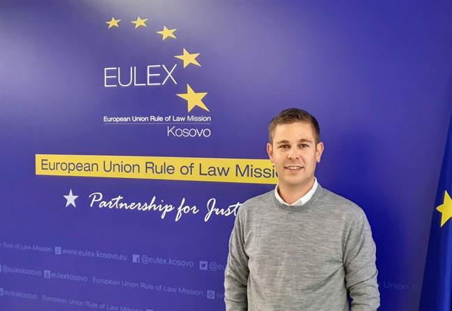 – Jag vill vara med och bygga upp legitimitet för Kosovos rättssystem, säger Alexander Fassihi.