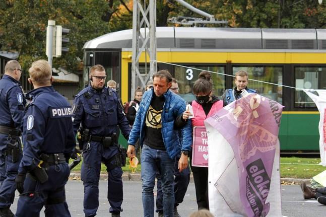 Polisen använde sig av pepparsprej i samband med rörelsen Elokapinas demonstration den tredje oktober.