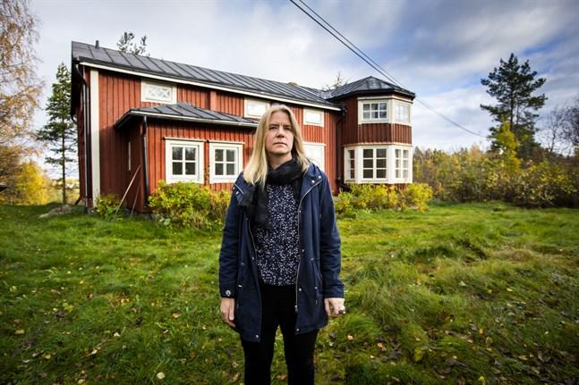 Heidi von Wright har flyttat tillbaks till Österbotten efter att ha bott halva sitt liv på annat håll. Nu finns hemmet i Sundom, i det hus hon växte upp.