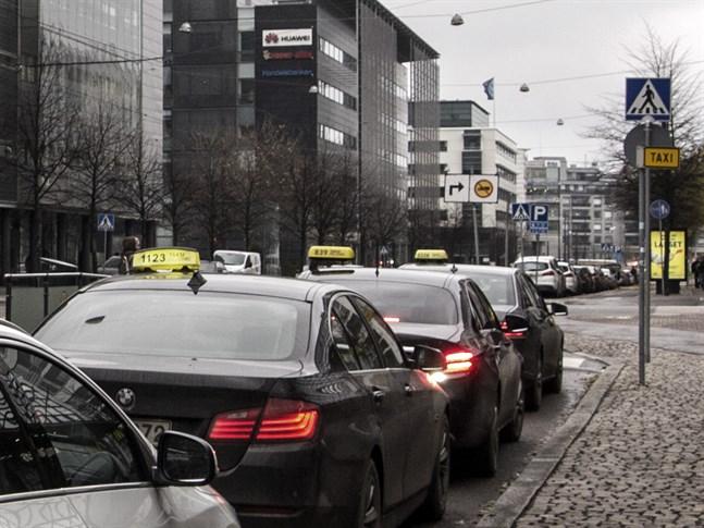 Många små förändringar ska göra taxiresorna tryggare för specialgrupper.