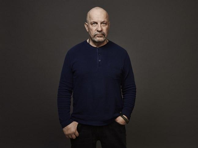 Kenneth Eriksson är en helsingforsbördig kriminalöverkonstapel som arbetat med grov brottslighet sedan tidigt 90-tal.