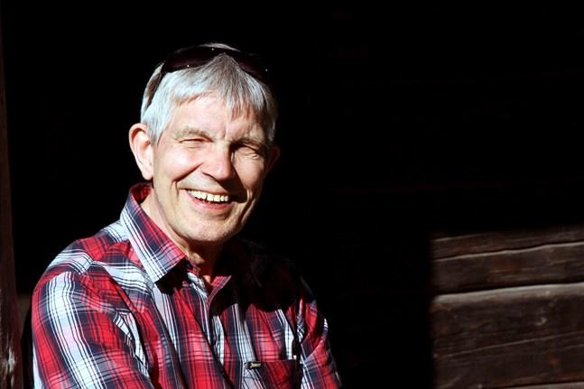 """Sture Bergqvist har spelat in en låt som han själv har skrivit. Den heter """"En missad chans""""."""