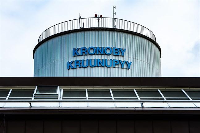 Kronoby har diskuterats ett flertal gånger i den ministerarbetsgrupp som behandlat vårdreformen, skriver Thomas Blomqvist.