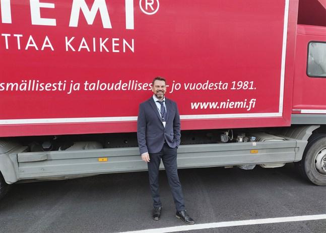Mika Lehtinen är regionchef på Niemi Palveluts verksamhetspunkt i Vasa
