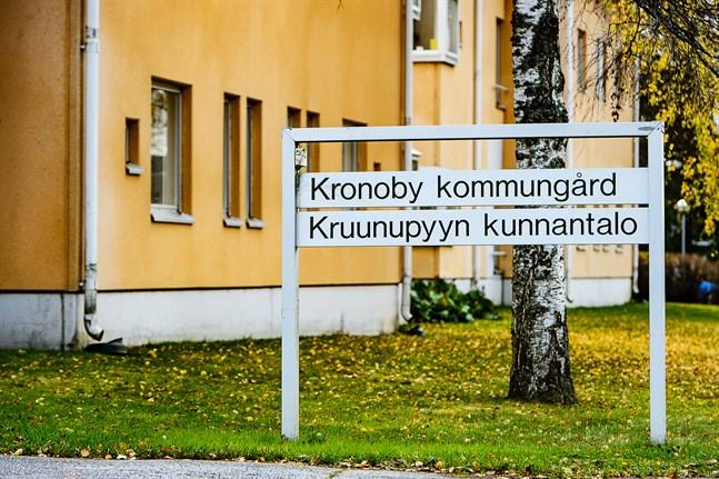 Kronoby kommungård.