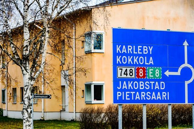En konsekvensutredning om Kronobys landskapstillhörighet kan starta om kommunstyrelsen och fullmäktige ger grönt ljus.