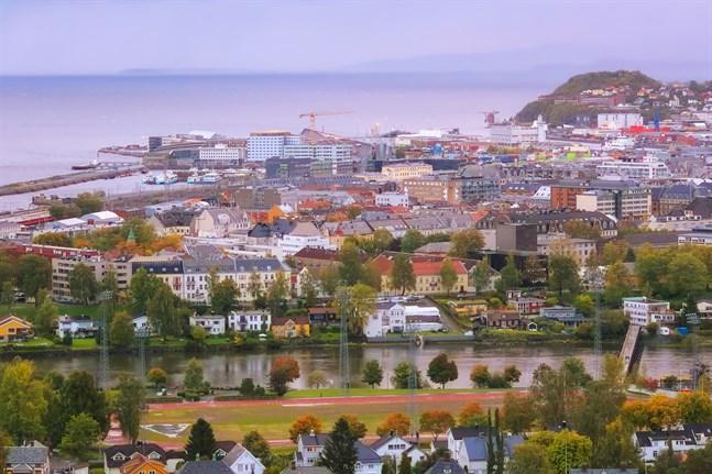 1 000 personer har satts i karantän efter barbesök i norska Trondheim.