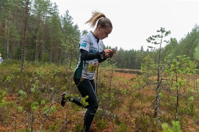 Kirsi Nurmi har flyttat tillbaka till Vasa efter att ha studerat till läkare i Göteborg. Samtidigt bytte hon förening från IFK Göteborg till SK Pohjantähti.