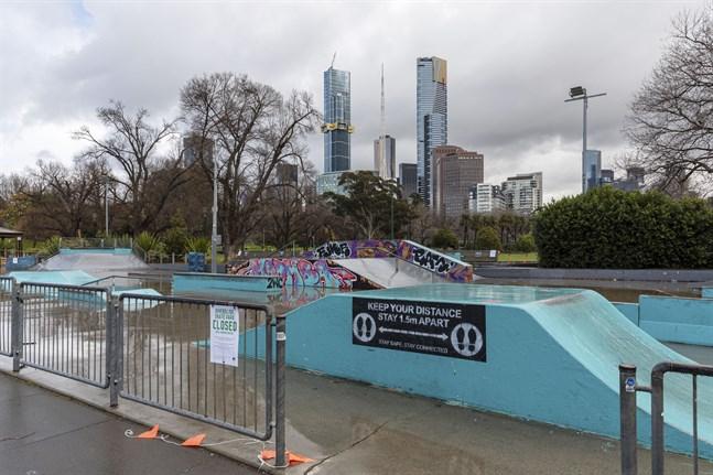 En tom skateboardpark i Melbourne i augusti. Från måndagen får invånarna i staden åter använda parker som denna.