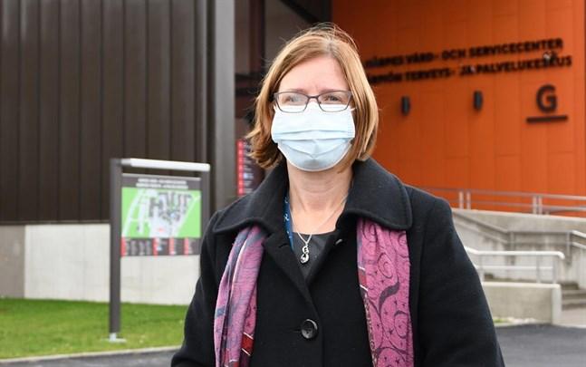 Stadsdirektör Mikaela Björklund hoppas att tisdagens lugnare coronaläge i Österbotten är början på en trend.