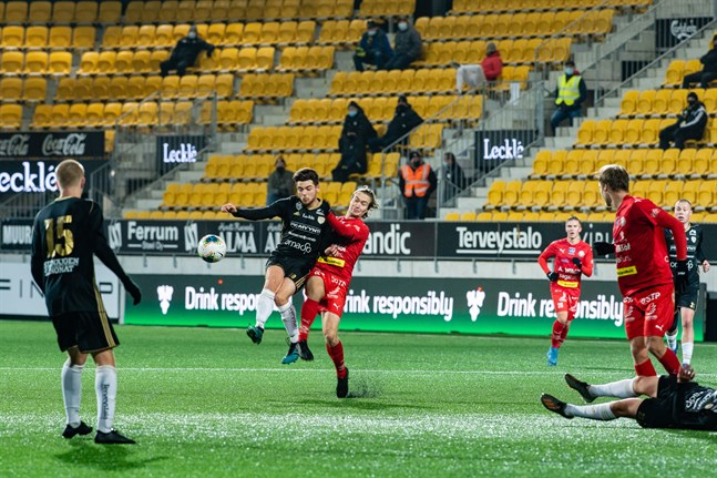 Jaro och Topi Järvinen spelade mot SJK Akatemia i tisdags, men lördagens planerade hemmamatch mot KTP är framskjuten.