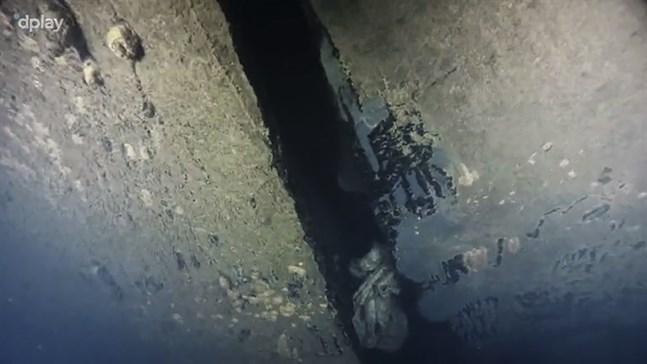 På bilden syns det vertikala hålet som blev känt i samband med dokumentärserien på Dplay.