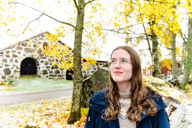 Julia Sjöbacka ser skrivandet som ett verktyg.