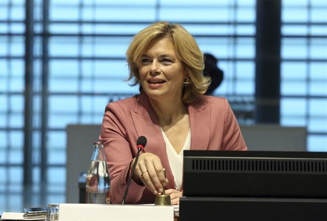 Tysklands jordbruksminister Julia Klöckner. Bild från måndagen.