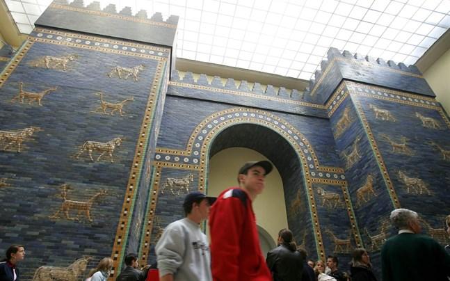 Pergamonmuseet är ett av tre museer i Berlin som utsatts för vandalism.