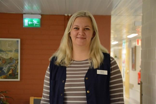 Therese Ekholm fortsätter leda Lappfjärds gymnastikförening som nu går in på sitt 74:e verksamhetsår.