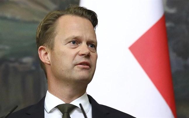 Danmark skärper sina reserestriktioner, meddelar utrikesminister Jeppe Kofod.