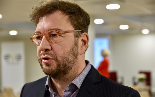 Kommunikationsminister Timo Harakka (SDP) säger till Yle att ministeriet utgår från att nätverksutrustning som kan äventyra den nationella säkerheten kan avlägsnas från nätet.