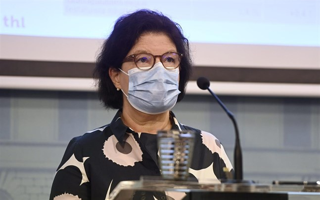 """""""Det är oroväckande att vi haft fler fall på social- och vårdenheter de senaste veckorna"""", säger Liisa-Maria Voipio-Pulkki, strategidirektör vid Social- och hälsovårdsministeriet."""