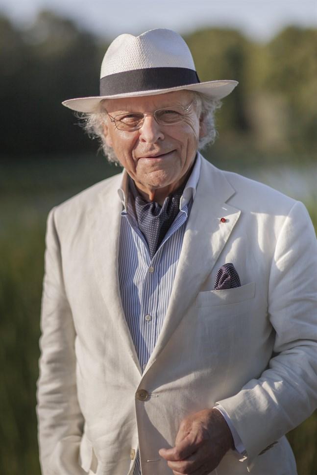 Herman Lindqvist tvekade aldrig när han tillfrågades om att medverka i historiken över Tottesunds herrgård och Maxmo.