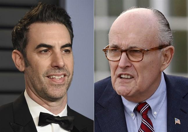 """Sacha Baron Cohen lurar advokaten och före detta politikern Rudy Giuliani i den nya """"Borat""""-filmen. Arkivbild."""