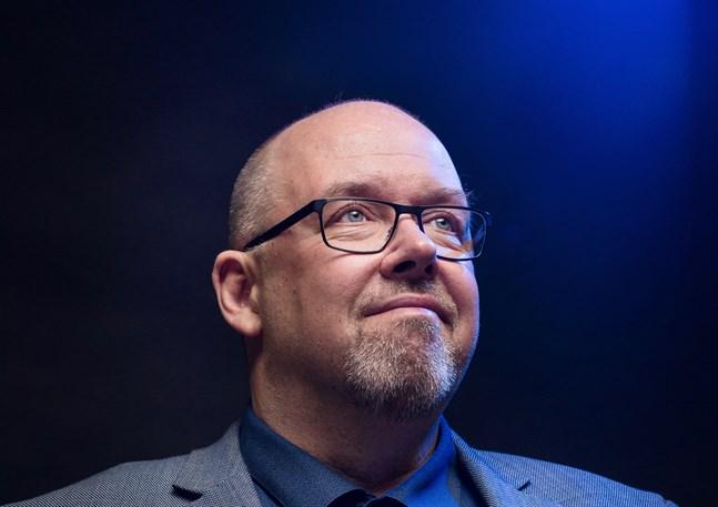 """Marcus Rosenlund är en bekant radioröst från Yle Vega, där han leder programmet """"Kvanthopp"""". Nu är han aktuell med en ny bok."""
