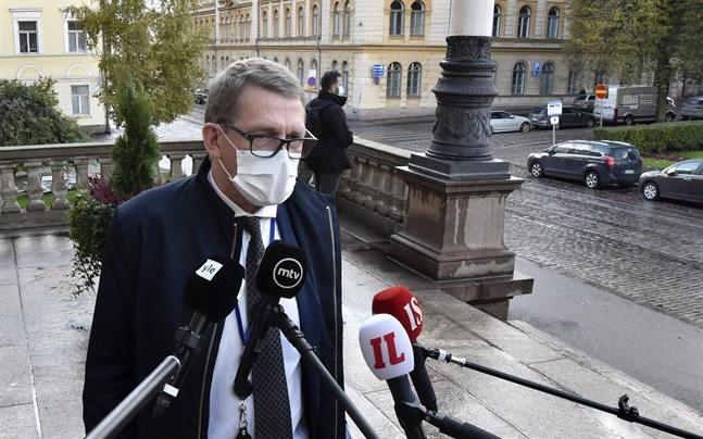 Finansminister Matti Vanhanen (C) utesluter inte att det uppstår ett behov av ytterligare en tilläggsbudget i år.
