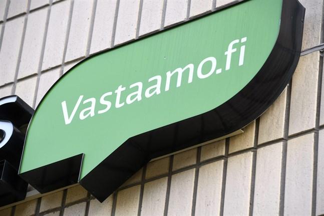 Cirka 300 av psykoterapicentret Vastaamos patientjournaler har publicerats på darknet.